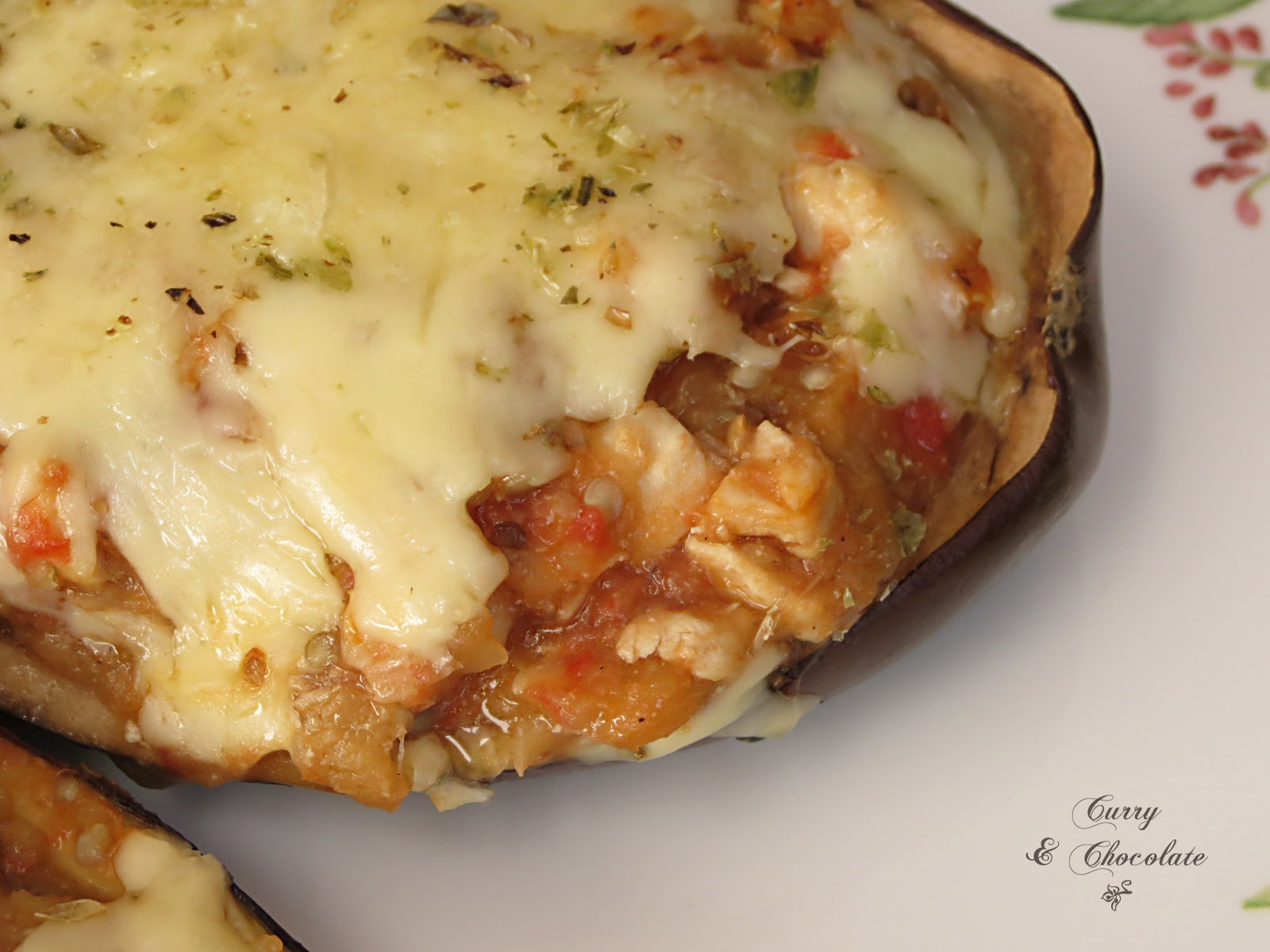 Berenjenas rellenas de pollo y tomate con queso - Chicken stuffed eggplants with tomato and cheese