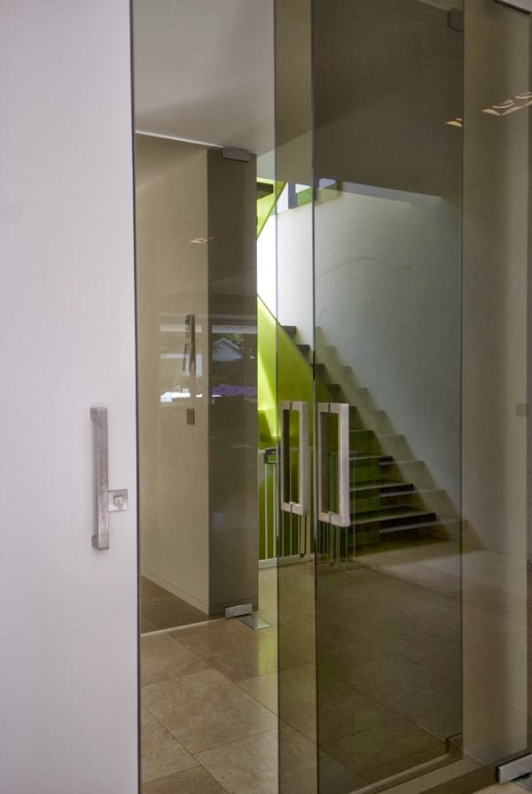 Glass doors in Modern home by Clijsters Architectuur Studio