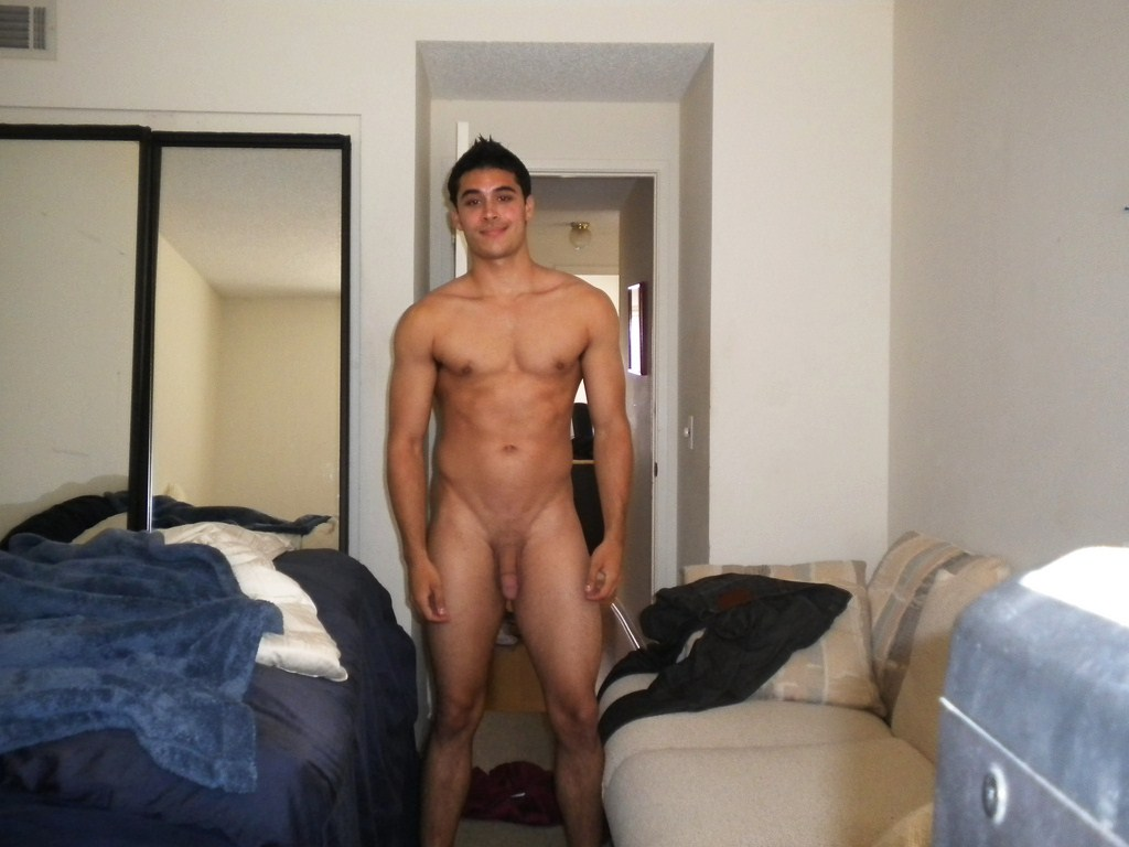 Amateur guys caught naked