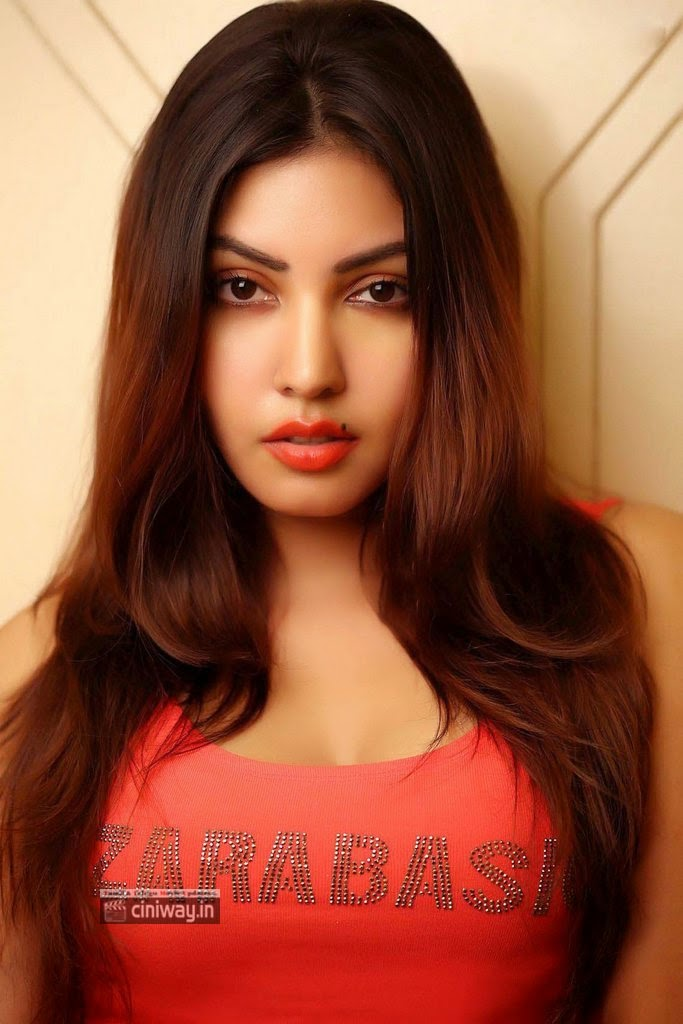 Komal-Jha-Latest-Photoshoot