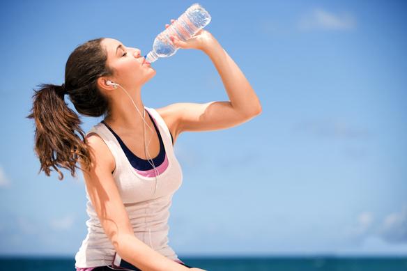 Waspadai Bahaya Overhidrasi atau Kelebihan Cairan Dalam Tubuh