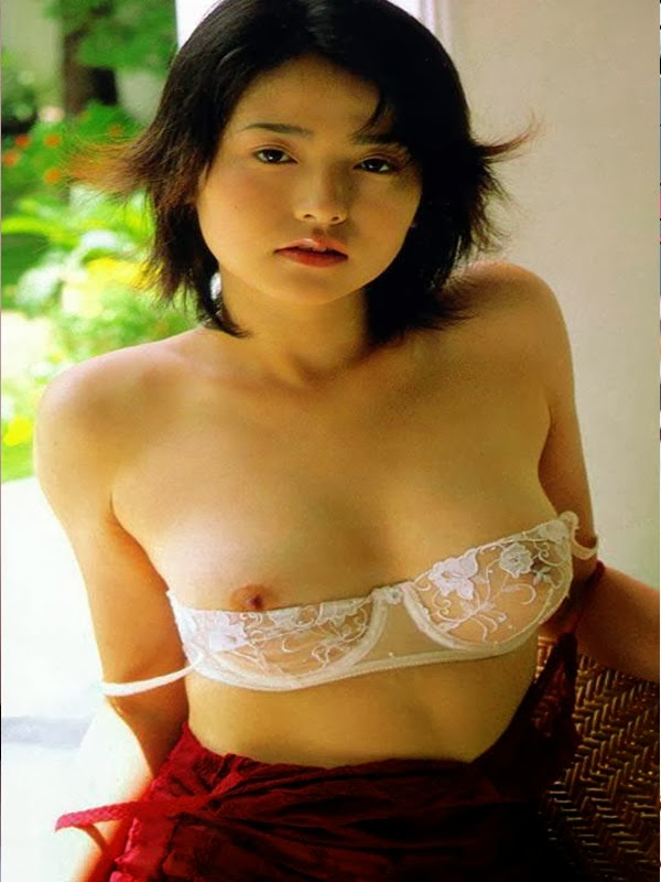 Azumi Kawashima Sexy On Chair 2