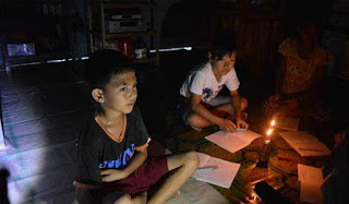 warga desa mengandalkan listrik dari sungai