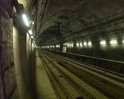 terowongan bawah laut Inggris