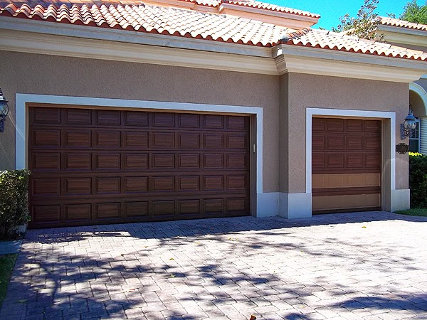 paint a garage door to look like wood.