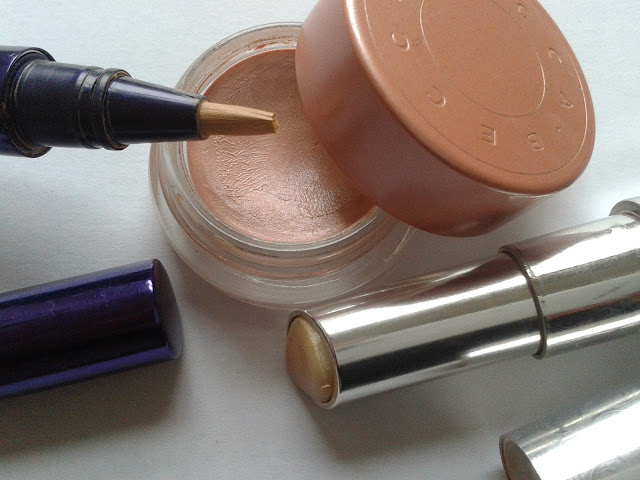 How to Conceal Dark Circles – Plus the Tools You Need ...