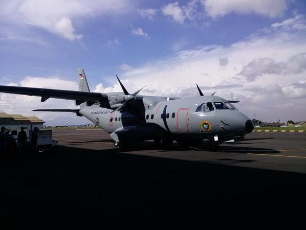 Pesawat CN 235-220 Pesanan TNI AL Lakuakan Test Uji Terbang