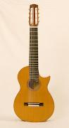 8snarige Cypress gitaar. Nikolai Svishev gitarist.