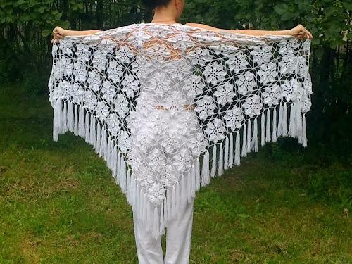 Купить вязанную белую шаль Санкт-Петербург