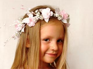 Foto Bayi Perempuan Cantik Pakai Bandana Bunga