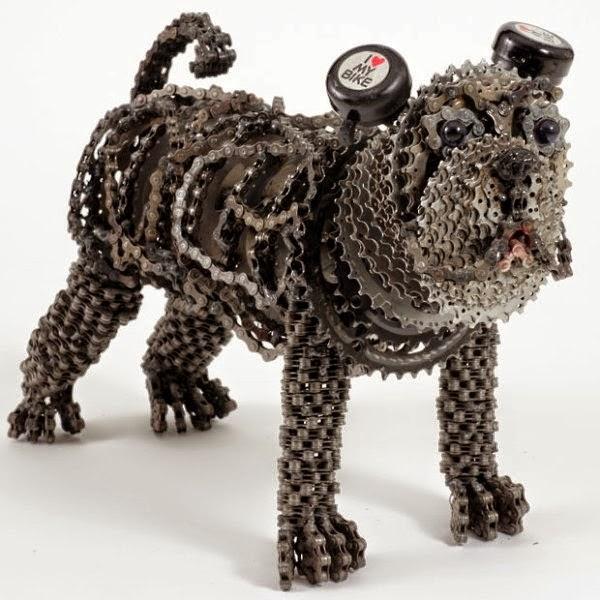 Chiens avec des Chaînes Recyclées de Vélo, Sculptures Respectueux de l'environnement