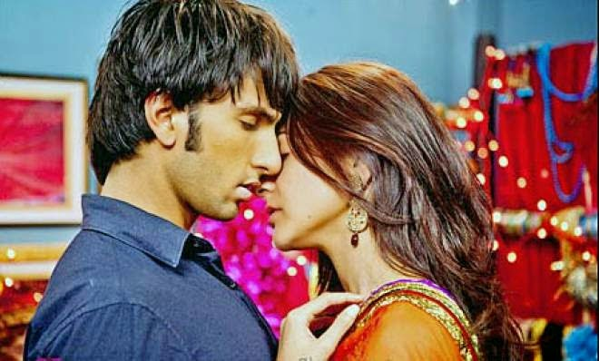 ranveer singh and deepika padukone kissing scene photo