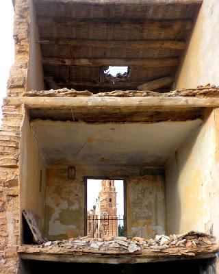 Casas en ruina en Belchite Viejo. Casas fantasmal