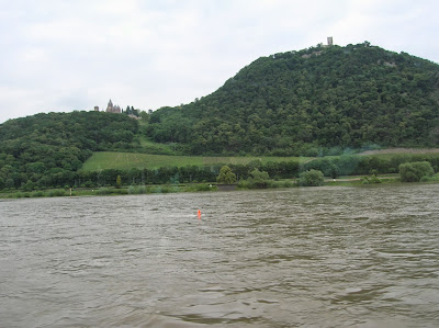 Castillo de Drachenburg, Valle del Rin, Bonn, Alemania, round the world, La vuelta al mundo de Asun y Ricardo, mundoporlibre.com