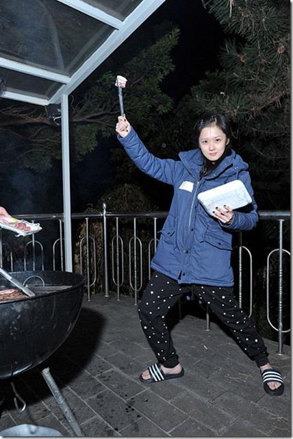 south korean actress jang nara naughty and lovely picnic
