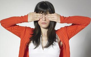 Tips Menghindari Mata Lelah Karena Lama di Depan Komputer