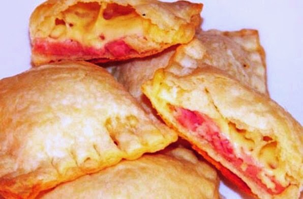 Cheese Envelopes with Cherry Sauce recipes