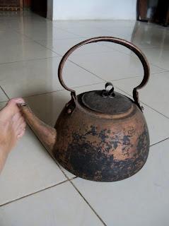 kerajinan tembaga cerek kuno