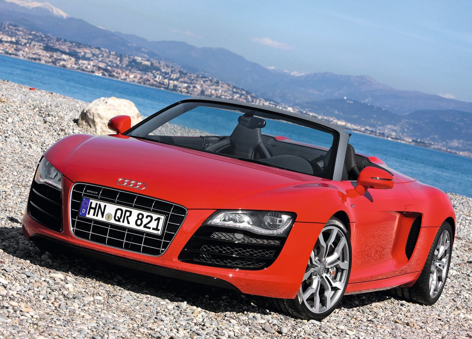 Red Audi R8 V10 Spyder HD Wallpaper