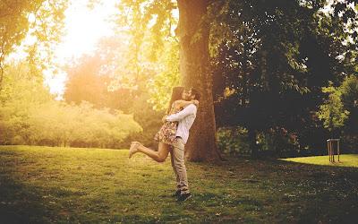 fotos de enamorados besandose