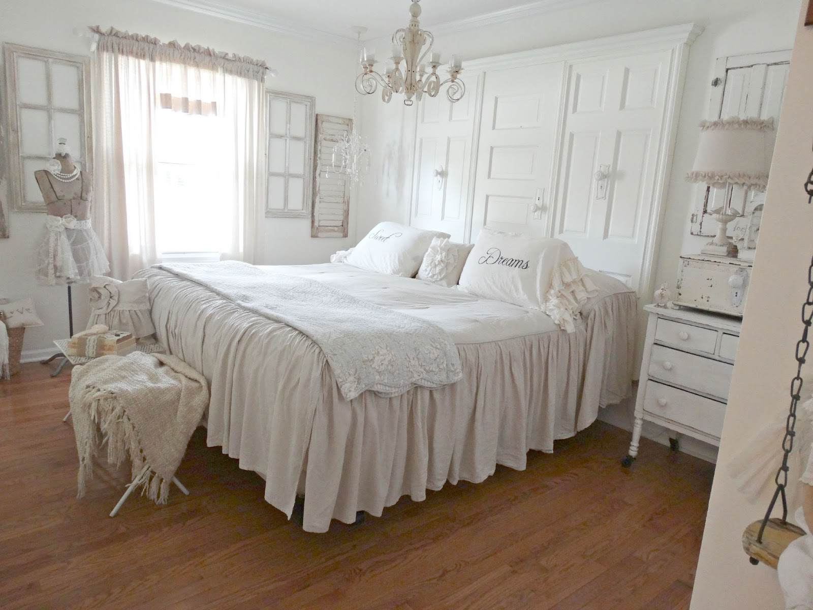 Junk chic cottage home sweet home for sale for Guest room bed size