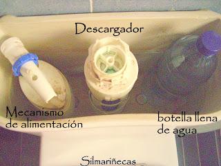 Truco: jabón en la cisterna.