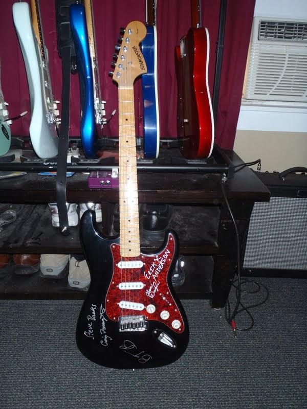 moar guitar pr0n