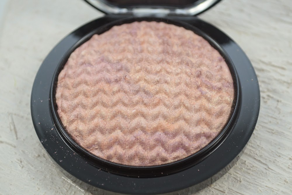 MAC Mineralize Skinfinish Perfect Topping Lightness Of Being LE (offen)