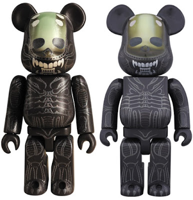 Alien 100% & 400% Be@rbrick Vinyl Figures by Medicom