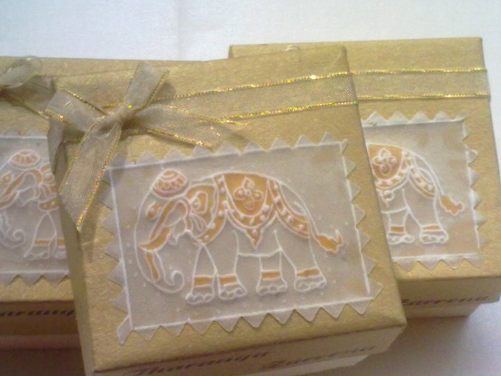 Sri lankan traditional kandiyan wedding cake box for Wedding invitations cake boxes sri lanka