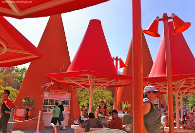 Cozy Cone Motel Cones Cars Land