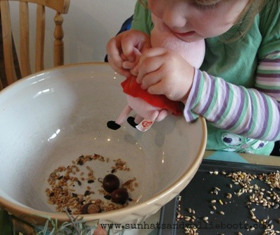http://www.sunhatsandwellieboots.com/2011/09/harvest-sensory-play-cooking-with.html