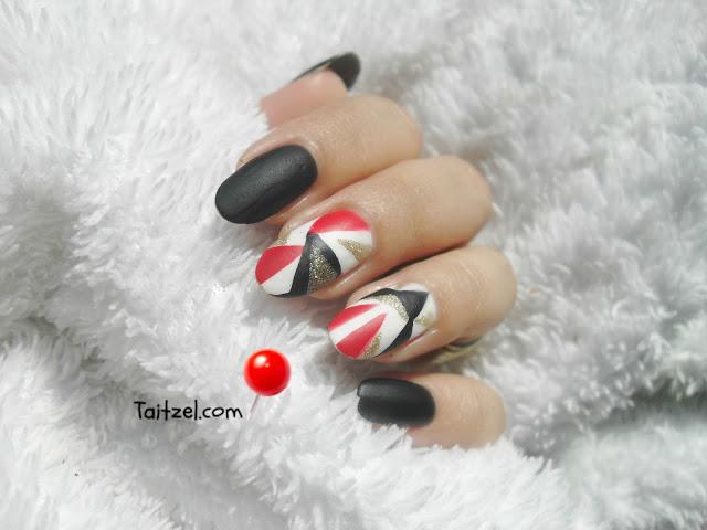 Manichiura cu model geometric / geometric nail art