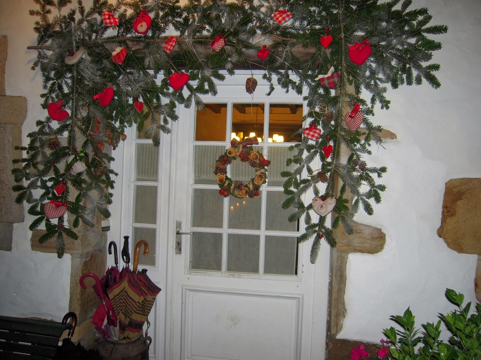 Como decorar puertas en navidad parte 1 for Como decorar una puerta en navidad