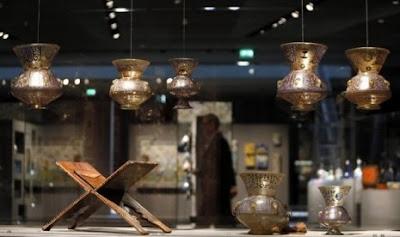 Jendela Islam : Louvre Pamerkan Seni Islam Yang Toleran & Damai [ www.BlogApaAja.com ]