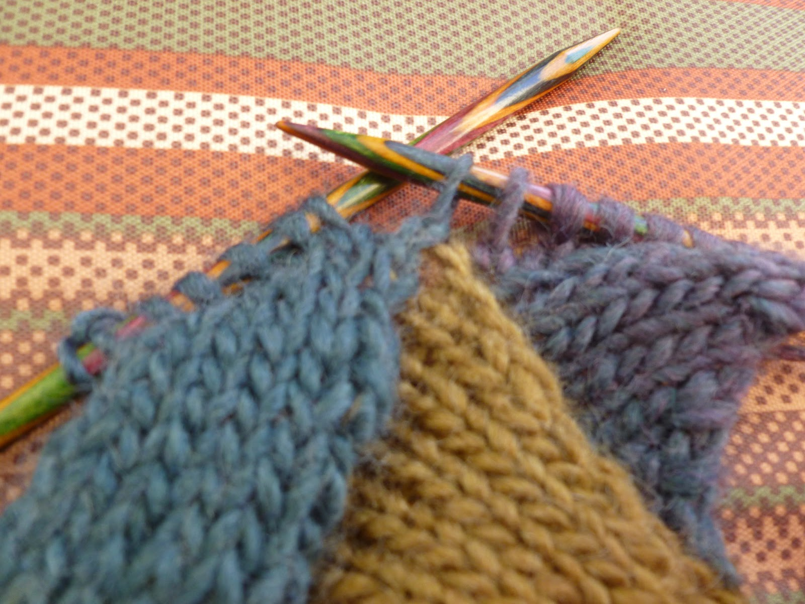 Picking Up Stitches Entrelac Knitting : Lilly My Cat: ENTRELAC TUTORIAL and HAPPY NEW YEAR WISHES