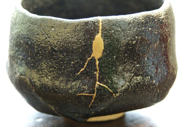 réparation de bol à thé : kintsugi