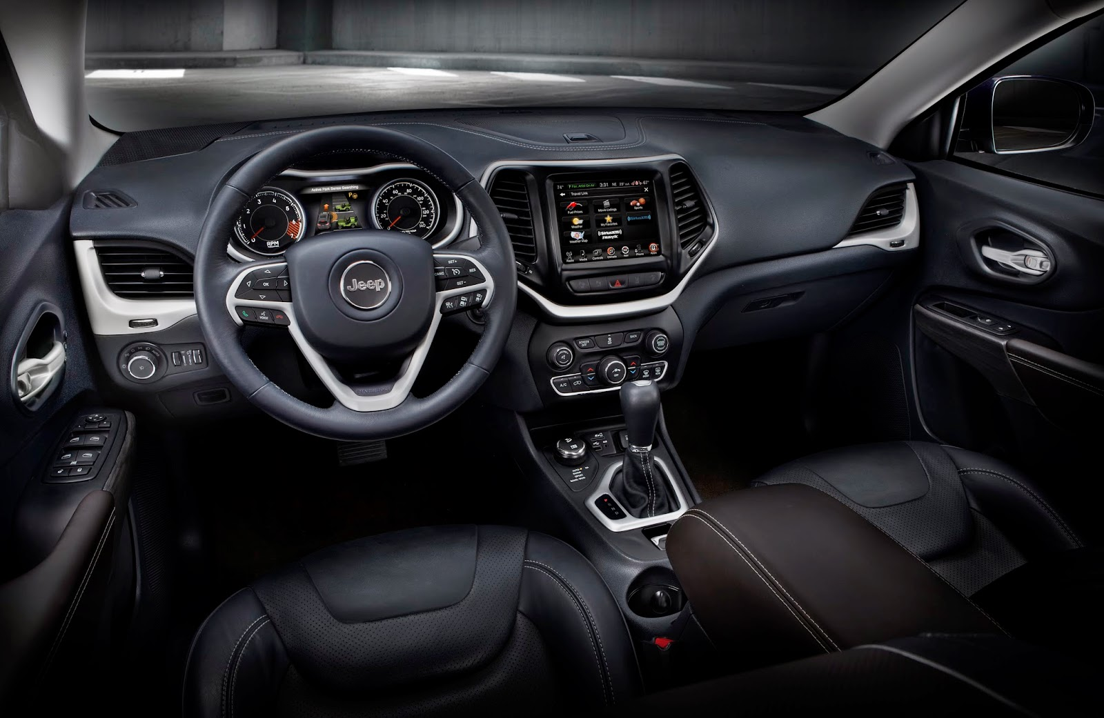 Interior view of the 2014 Jeep Cherokee