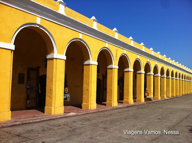 Las Bovedas, fortificação militar onde hoje vendem-se artesanatos