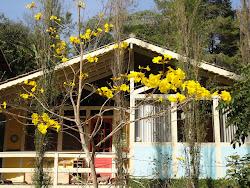 nossa casinha branca de varanda em Nova Friburgo...