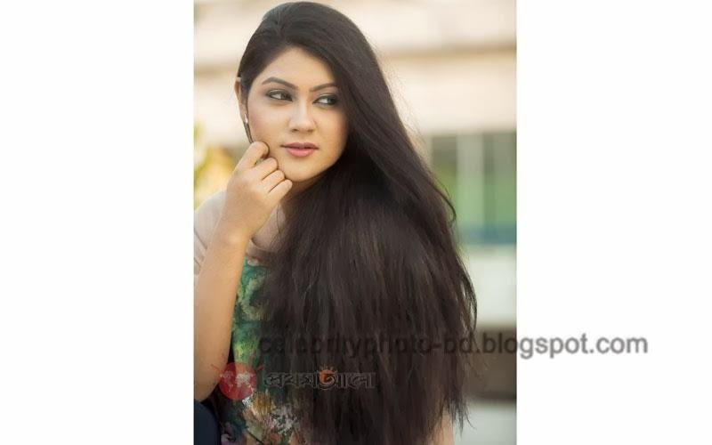 Bangladeshi+model+Shayna+Amin+Hot+Photos001