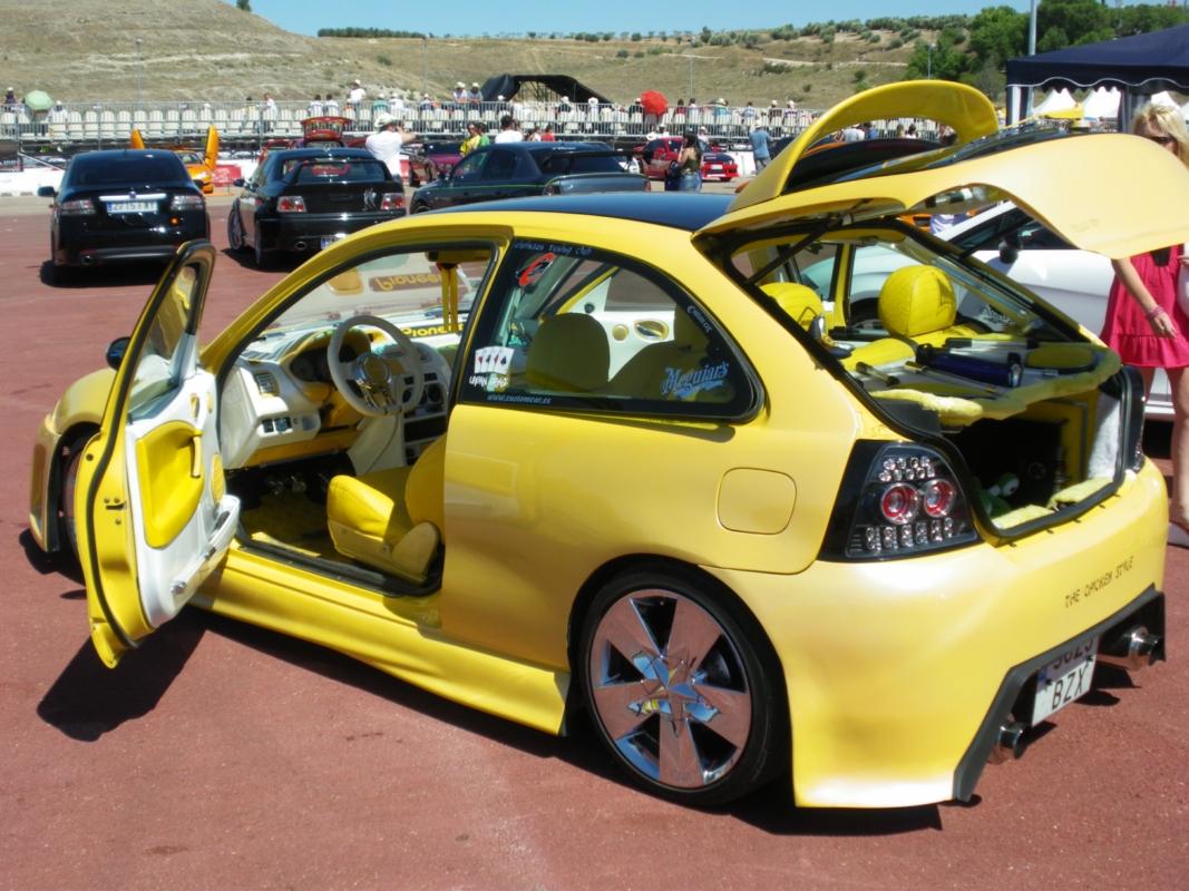 MG ZR | Car Models