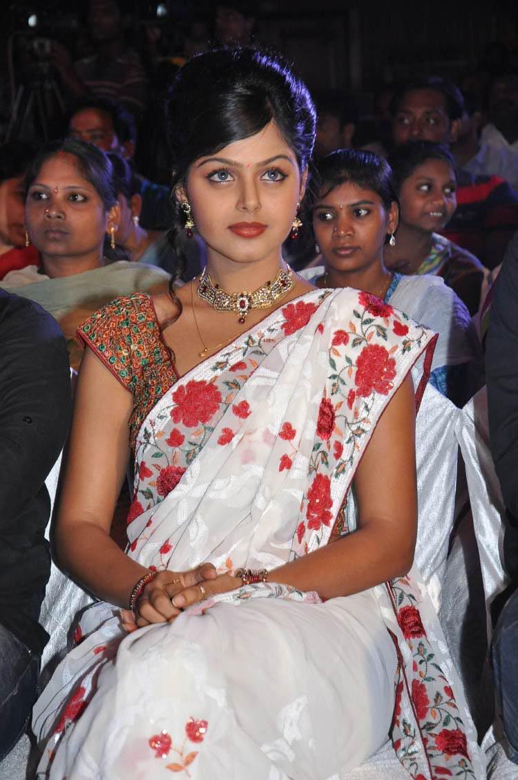 monal gajjar spicy actress pics