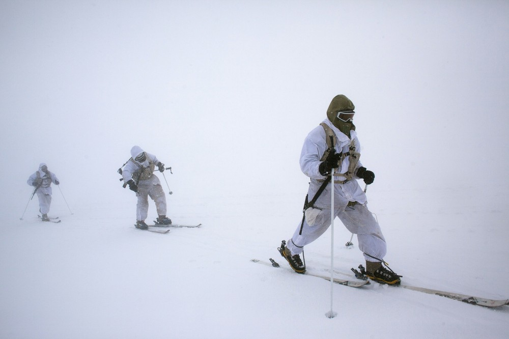 Neot Golan Israel  city photos gallery : Israeli Troops Skiing Patrolling The Golan Heights | Global Military ...