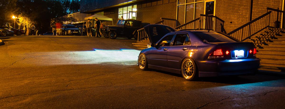 Lexus IS XE10, nocna fotografia, samochody nocą, auta po zmroku, wieczorem, mrok, japońskie, motoryzacja, JDM, tuning, zdjęcia, photos, at night, cars, photography