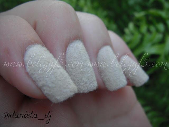 Unhas Peludas branca