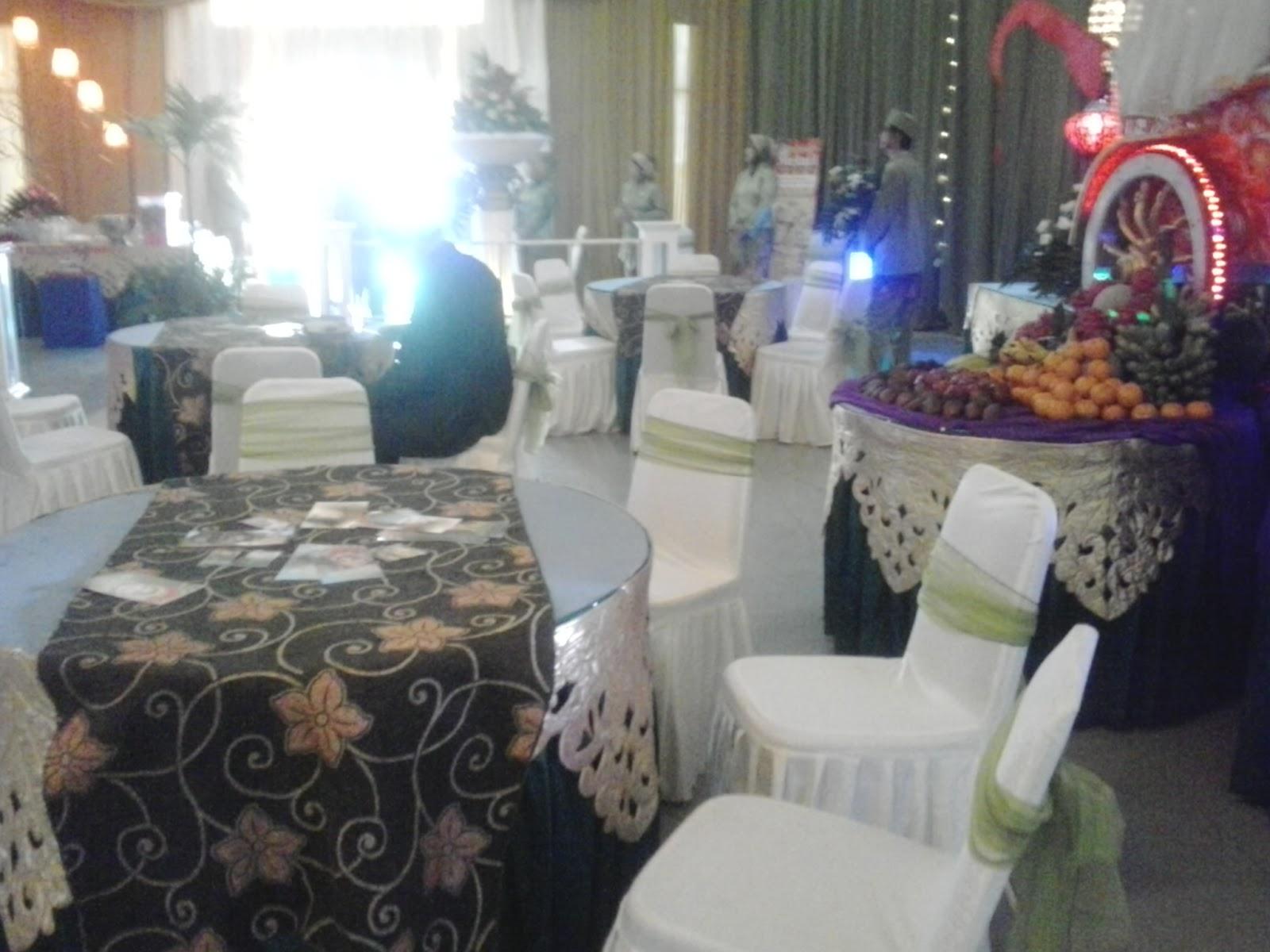Meja tamu bagi undangan VIP