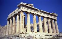 Gli albanesi sono discendenti dei Illiri o Pelasgi ,la razza che , secondo Erodoto, ha fondata Atene