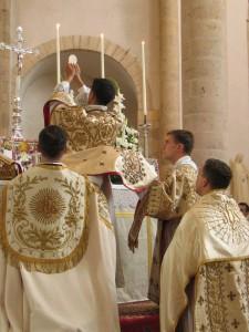 10 lý do để tham dự Thánh lễ Truyền thống Latinh
