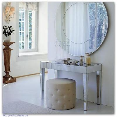 Туалетный столик для спальни модели Beauty от фабрики Porada, дизайн Opera Work in Progress.